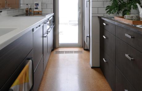 Floor 3. Linoleum